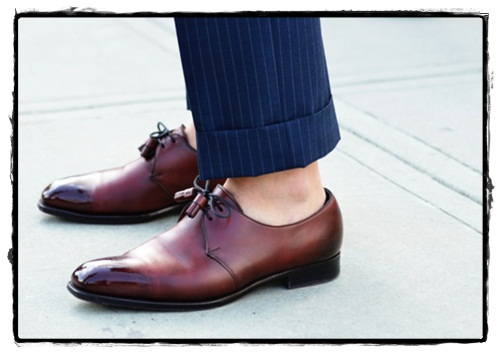 Should You Wear A Full Suit With No Socks? - My Dapper Self
